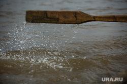 Добыча рыбы в Сургутском районе. Сургут, весло, вода