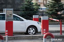 Презентация эксплуатационных возможностей мобильной мойки высокого давления. Екатеринбург, автомобиль, шлагбаум, парковочная система
