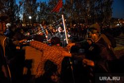 Второй день протестов против строительства храма Св. Екатерины в сквере около драмтеатра. Екатеринбург, беспорядки, росгвардия, задержание, сквер на драме