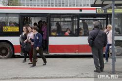 Виды Перми, остановка, автобус, пассажиры