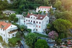 Клипарт. Скриншот с видео Youtube. Хорватская гавань главы Мосгоризбиркома , дом, хорватия