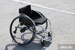 Легкоатлетический забег на призы Кавалера «Ордена Улыбки» в центре Илизарова. Курган, инвалидная коляска
