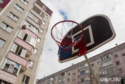 Спортивная площадка на ул.Киртбая,9. Сургут, баскетбольное кольцо