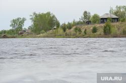 Доставка почты в труднодоступные районы Свердловской области, заброшенный дом, деревня, лес, река, вода