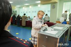 Выборы 2016. Сургут, избирательный участок, выборы, полиция