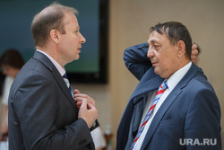 Заседание законодательного собрания Свердловской области. Екатеринбург, сухов анатолий, шептий виктор, чешет голову