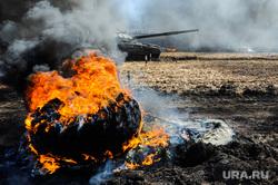 Танковый биатлон. Чебаркульский военный полигон. Челябинская область, военные, оружие, огонь, танковый биатлон, т72-3б, война, армия, танк, колесо горит