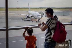 Зал ожидания аэропорта «Кольцово». Екатеринбург, аэропорт, ожидание, полет, телетрап, аэрофлот, авиалайнер, пассажиры, авиакомпания, туристы, самолет, туризм, боинг 737-800, vq-bhw, федор плевако, пассажирский рукав, перелет