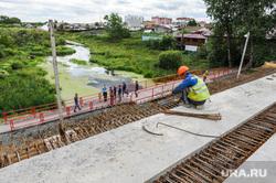 Строительство моста в Долгодеревенском. Челябинская область, строители, мост, дорожники, строительство моста, река зюзелга