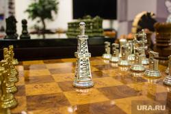 Академия шахмат. Ханты-Мансийск., нефть, буровая, шахматы