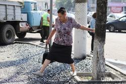 Ремонт тротуаров. Курган, пешеходы, ремонт тротуара, щебень