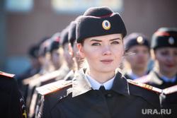 Бессмертный полк и парад Победы. Сургут, полиция, девушка в форме