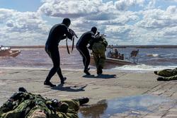 Клипарт, официальный сайт министерства обороны РФ. Екатеринбург, захват, катер, водолазы, спецоперация, пираты, ВМФ