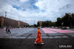 Брифинг, посвященный восстановлению работы художника Покраса Лампаса. Екатеринбург, площадь первой пятилетки, покрас лампас