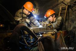 Березовское золотоносное месторождение. Березовский , ремонтные работы, шахтеры, горняки, березовский золотоносный рудник