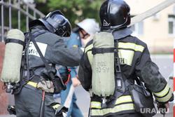 Учения МЧС. Курган, огнетушитель, пожарные