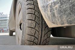 Пыль. Екатеринбург, колесо автомобиля, шина