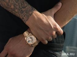 Одежда Романа Павлюченко. Екатеринбург, руки, татуировка, вип часы, наручные часы, павлюченко роман