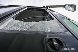 Автобус 54 маршрута, разбитый пассажирами в день 295-летия Екатеринбурга, разбитое стекло