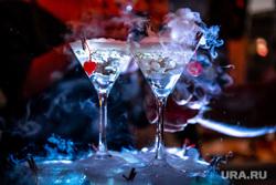 Открытие летней веранды в ресторане GRAND Урюк. Екатеринбург , коктейли, бокалы, мартини, дым