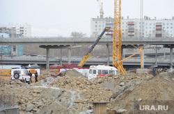 Пожарные машины на стройплощадке главного объекта  саммитов ШОС и БРИКС Челябинск, стройка шос