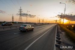 Город летом. Сургут, автомобили, машина, закат, объездная дорога, югорский тракт