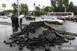Ремонт дорог. Екатеринбург, мусор, тротуар, снятый асфальт, ремонт пешеходной зоны, куча, перекресток малышева восточная