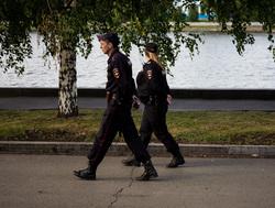 Встреча храбрых в сквере на драме. Необр.Екатеринбург , полиция, сквер на драме
