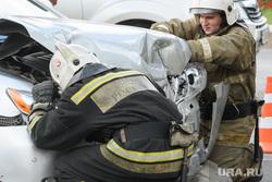 ДТП на пересечении Малышева и Розы Люксембург. Екатеринбург, проверка, спасатели мчс, дтп, пожарные, авария