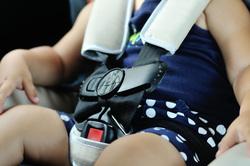 Клипарт depositphotos.com, ребенок в машине, детское кресло, автомобильное кресло