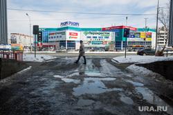 Дороги города через год после замены полотна. Сургут  , ямы на дороге, тц росич