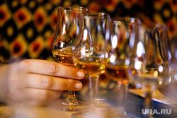 Дегустация виски в ресторане Panorama ASP. Екатеринбург, виски, бокалы, дегустация, алкоголь, крепкий напиток, коньяк