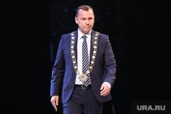 Торжественная церемония инаугурации губернатора Вадима Шумкова. Курган, шумков вадим, портрет, нагрудный знак губернатора