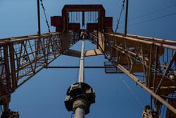Открытая лицензия на 30.07.2015. Добыча нефти и газа, буровая, вышка, нефть, романовское месторождение