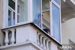 Дом с проблемными балконами. Челябинск., балкон, курильщик