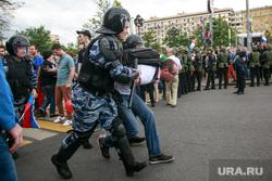 Несанкционированный митинг на Тверской улице. Москва, протестующие, полиция, несанкционированный митинг, задержание