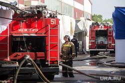 Пожар на Центральной городской ярмарке. Магнитогорск, пожарный, пожарная машина, полицейский, цгя
