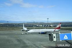 Последствия протестов в Грузии. Тбилиси, взлетное поле, аэропорт тбилиси, грузинские авиалинии, georgian airways, аэропорт имени шота руставели
