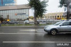 Выделенная полоса для общественного транспорта. Челябинск, дорога, полоса общественного транспорта