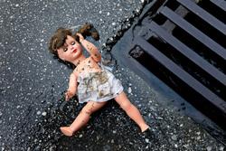 Клипарт depositphotos.com, кукла, педофилия, педофил, детское насилие