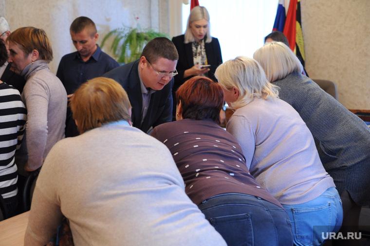Срочная сессия собрания депутатов посёлка Роза. Челябинская область