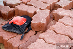 Благоустройство города. Екатеринбург, тротуарная плитка, бехатон, ремонт тротуара, обновление покрытия