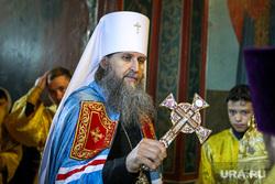 Встреча курганского митрополита. Курган, церковная служба, митрополит даниил, православие, крест