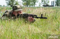 Учения зенитно-ракетной бригады. Республика Хакасия, Абакан , поле, автомат, солдаты, стрелок, огнестрельное оружие, военнослужащий, зенитно-ракетный комплекс, солдат