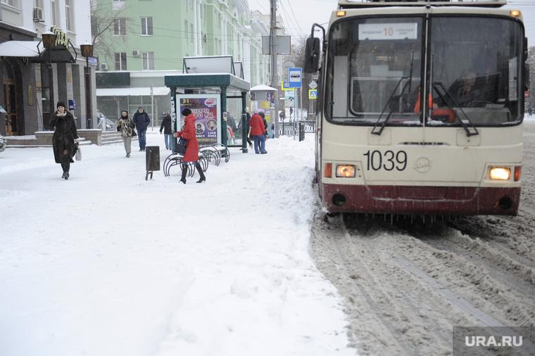 Снегопад в городе. Челябинск