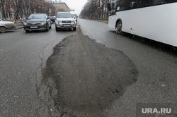 Выезд рабочей группы по дорогам города с Дмитрием Микуликом. Челябинск, заплатка на асфальте, асфальт, дорога после ремонта, заплата