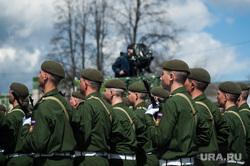 Военный парад, посвященный 73-й годовщине победы в Великой Отечественной войне. Свердловская область, Верхняя Пышма, армия, военные, солдаты, марш, парад победы, строй, военный парад