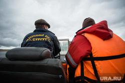 Состязания в гонках по гребле на обласах - традиционных лодках народов Севера. Сургут, спасательный жилет, спасатели, спасение на воде