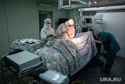 Операция на позвоночнике в Сургутской клинической травматологической больнице. Сургут, операция, врач, хирург, медицина, доктор