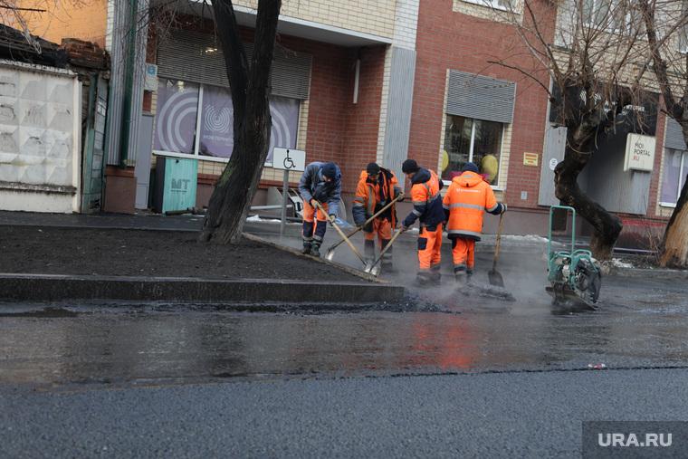 Дорожные работы в начале зимы. Тюмень